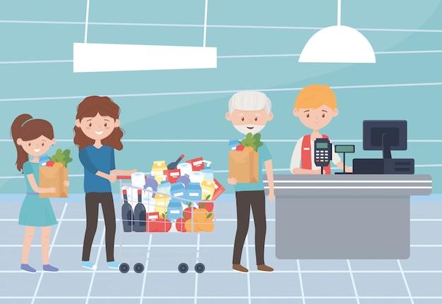 Продавец и клиенты, ожидающие оплаты за покупки, превышают