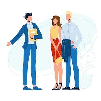 Менеджер продавца и клиенты в выставочном зале