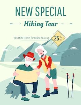 Пожилые супружеские пары изучает карту в горах.