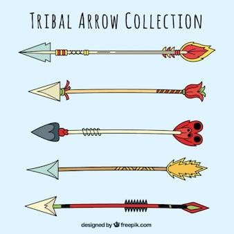 Set di antiche frecce con differenti disegni
