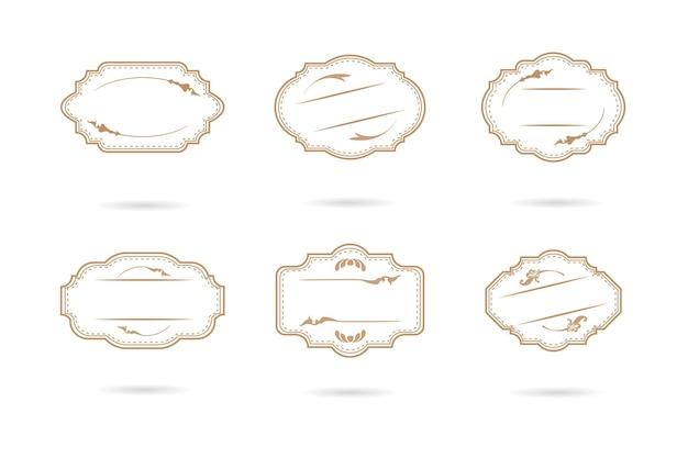 Set di etichette e distintivi vintage retrò vuoto su un'illustrazione bianca