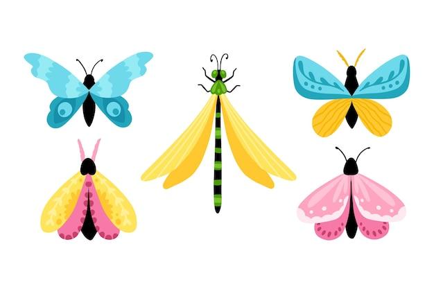 나비를 설정하십시오. 간단한 만화 스타일의 다채로운 손으로 그린 나비와 잠자리.