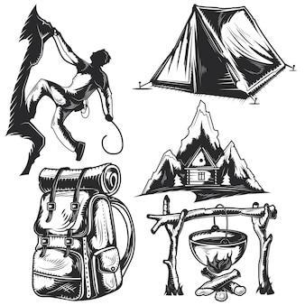 Set di elementi da campeggio per creare badge, loghi, etichette, poster, ecc.