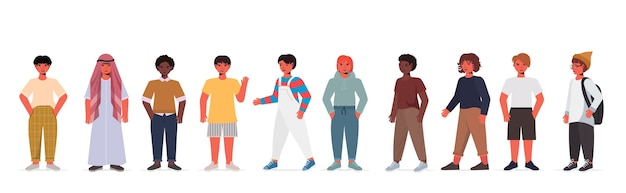 캐주얼 유행 옷에 귀여운 소년 소녀 설정 혼합 인종 남성 여성 만화 캐릭터 서있는 포즈 절연 수평