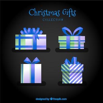Set di quattro regali di natale con arco