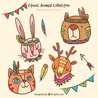 Set di divertenti disegnati a mano animali etnici