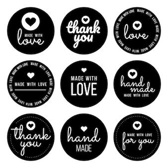 Установите ярлыки для продавцов, включая «спасибо», «ручной работы», «сделано с любовью» и «для вас». Premium векторы