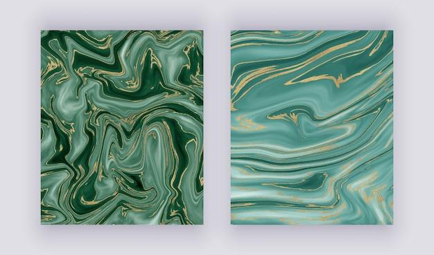 Установите жидкую мраморную текстуру. зеленый и золотой блеск чернил живописи абстрактный узор.