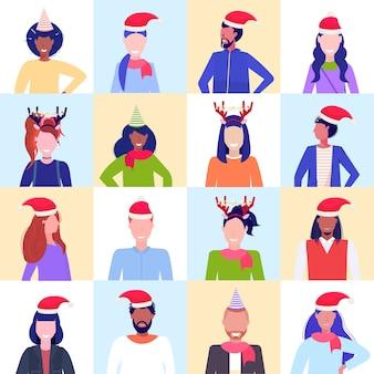 설정 혼합 인종 사람들 입고 산타 모자와 뿔 프로필 아이콘 새해 크리스마스 휴일 세트 남성 여성 아바타 초상화 남성 여성 얼굴 컬렉션