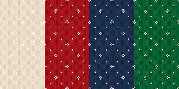 4つの冬の休日のニットパターンのセット。ベージュ、赤、青、緑のクリスマス編み物のシームレスな背景。