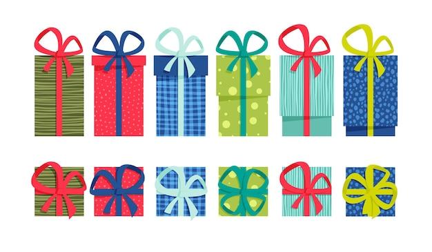 Набор плоских красочных подарочных коробок с лентами и бантами на белом фоне. простой в использовании и перекрашивающий векторный дизайн одним щелчком мыши.