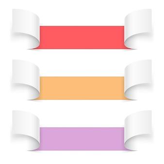 Набор абстрактных открытых в разных направлениях информационного листа бумаги