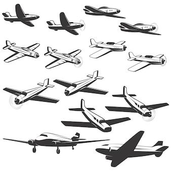 白い背景の上の航空機のアイコンのセットです。 、エンブレム、記号の要素。図。