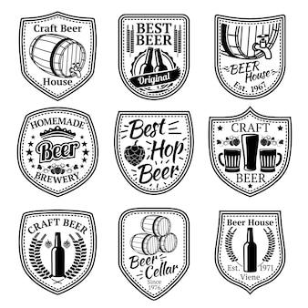 ビールと醸造所のビジネスのためのバッジのセット。