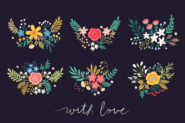 Набор красивых букетов цветов. яркие разноцветные цветы, листья, веточки и ягоды на черном фоне.