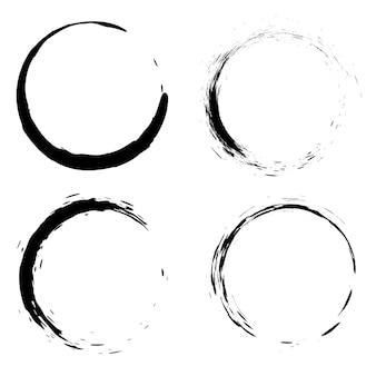 円の形の黒いブラシストロークのセット。ポスター、カード、看板、バナーの要素。