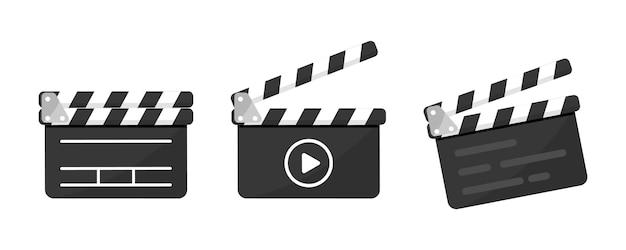 플랫 스타일의 버튼 플레이어가 있는 블랙 클래퍼 보드 아이콘의 집합입니다. clapperboard 벡터 일러스트 레이 션. 영화 필름 클래퍼 보드. 영화 제작 또는 비디오 영화, 촬영 장치, 영화 제작