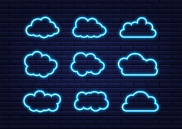 青い空、雲のセット。雲のアイコン、雲の形。ネオンアイコン。異なる雲のセット。クラウドアイコンのコレクション。ベクトルイラスト。