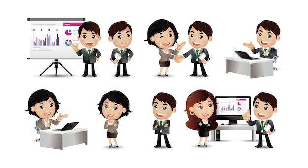 ビジネスマンのセット コンピューターでのプレゼンテーション契約作業