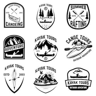 白い背景の上のカヌーバッジのセット。カヤック、カヌーツアー。ロゴ、ラベル、エンブレム、記号の要素。図