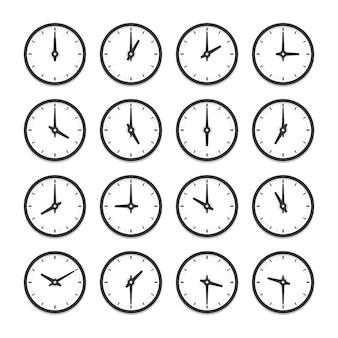 時間ごとのアイコンセットの時計のセット。白い背景の上の孤立したイラスト