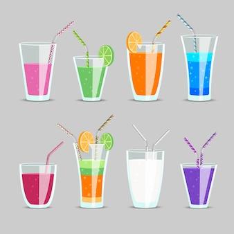 Набор коктейлей и фруктовых соков. стакан и молочный коктейль, апельсин и тоник, экзотический ингредиент смешать с соломинкой,