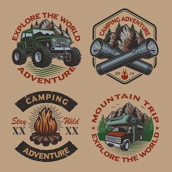 Набор цветных старинных логотипов для темы кемпинга на светлом фоне. идеально подходит для плакатов, одежды, футболок и многого другого. слоистый