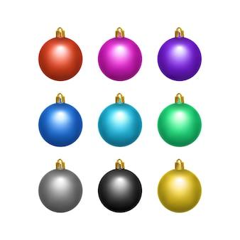 リアルなスタイルの白い背景のクリスマスボールに分離されたカラフルなクリスマスボールのセット