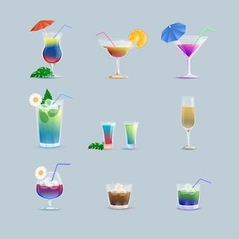 바 또는 레스토랑에서 다채로운 맛있는 여름 칵테일 세트