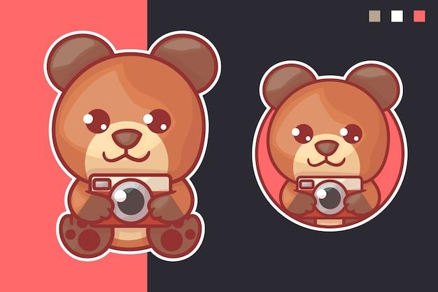 オプションの外観を持つかわいいクマのカメラのマスコットロゴのセット。カワイイ