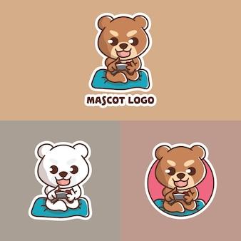 Набор милый медведь играет в игру талисман логотип