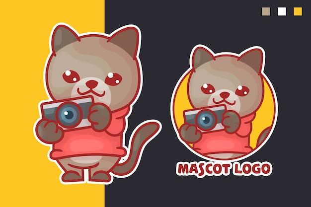 オプションの外観を持つかわいい猫のカメラのマスコットロゴのセット。カワイイ