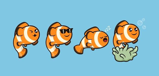 Набор милых рыб-клоунов, плавающих в море