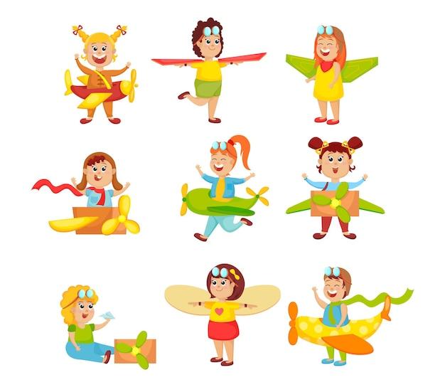 パイロットを遊んでいるかわいい面白い小さな子供たちのセット。漫画イラスト
