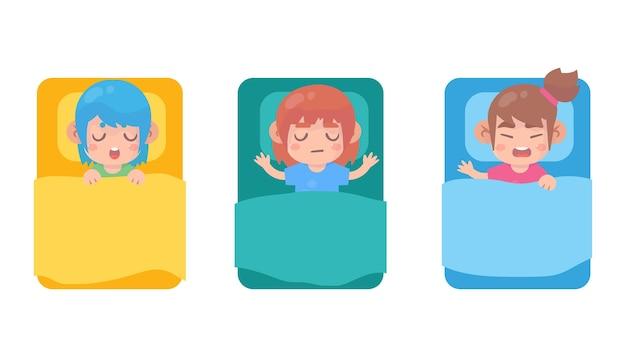 침대에서 귀여운 소녀 수면 세트