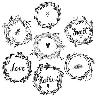 結婚式の招待状やバースデーカードに最適なかわいいレトロな花の花輪のセット。フローラルフレームコレクション。