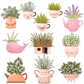 Набор милых вазочек в виде различных животных с полевыми цветами.