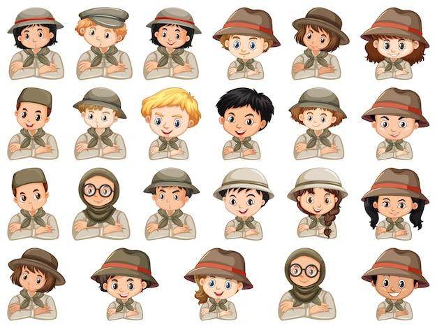 Набор различных персонажей костюмов скаутов мальчиков и девочек на белом фоне