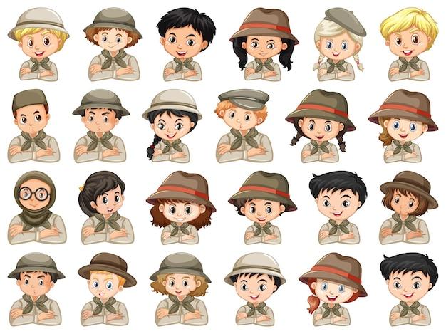 Набор различных персонажей костюмов разведчика мальчиков и девочек на белом фоне