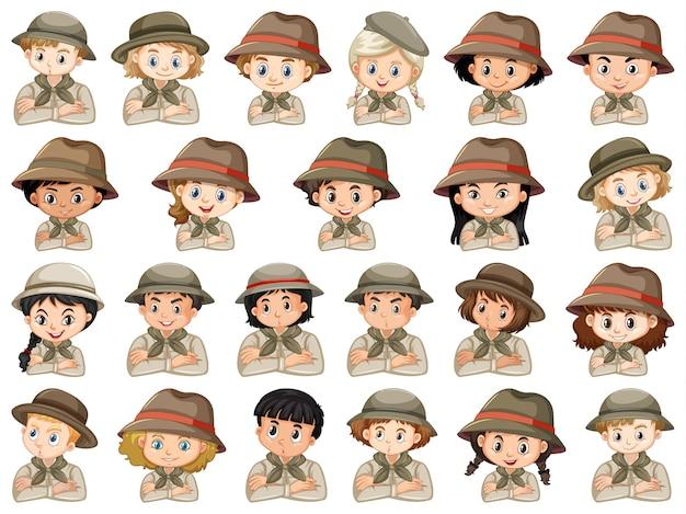 Набор различных персонажей костюмов скаутов мальчиков и девочек на белом