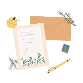 우편 우표와 엽서 소포가 있는 다른 크리스마스 봉투 세트