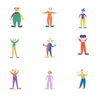 Набор различных праздников или партийных клоунов в красочной современной одежде