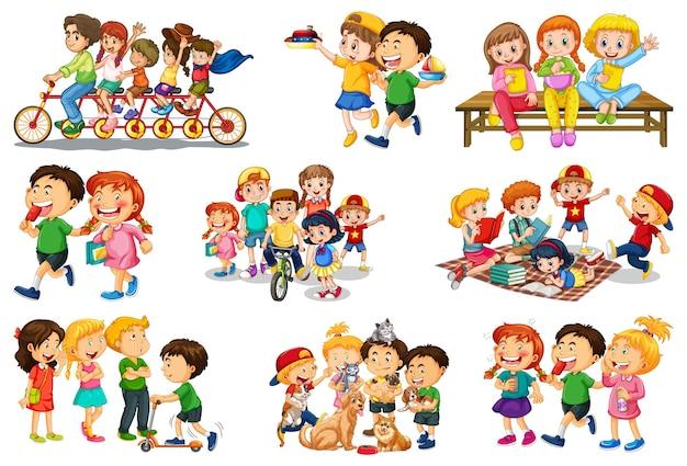 흰색 배경에 고립 된 그들의 장난감 만화 캐릭터와 함께 연주 다른 아이 세트