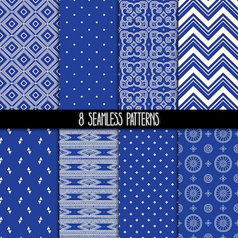 8개의 다른 장식용 파란색 패턴의 집합입니다. 민족 꽃과 기하학적 장식