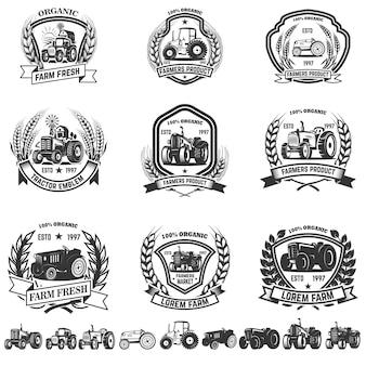 トラクターとエンブレムのセットです。ロゴ、ラベル、記号の要素。図