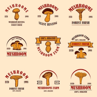 버섯이 있는 엠블럼 세트입니다. 포스터, 로고, 레이블, 기호, 배지 디자인 요소입니다. 벡터 일러스트 레이 션