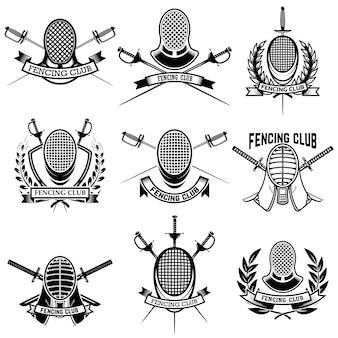 フェンシングクラブのラベルのセット。剣のフェンシング。エンブレム、記号、バッジの要素。図