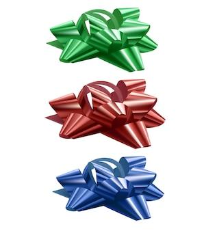 Набор праздничных бантов синего, красного и зеленого цветов на белом фоне, иллюстрация