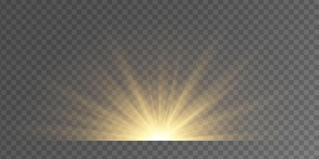 透明な背景にフラッシュ、ライト、スパークルのセット。明るい金色の閃光とまぶしさ。抽象的な金色の光は、明るい光線を分離しました。輝く線。図