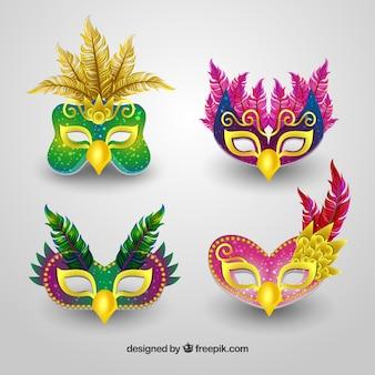 現実的な4つのブラジルのカーニバルマスクのセット